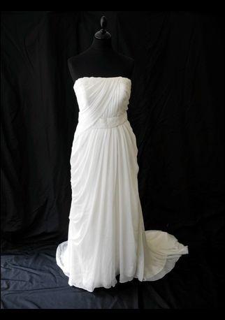 Robe de mariage bustier Empire mousseline Prononvias, drapé avec fines perles