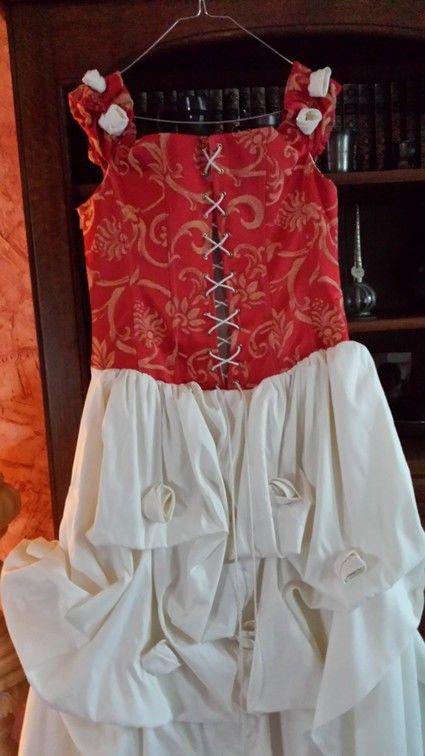 Robe de mairée d'occasion ivoire et rouge taille 44 à Limoges