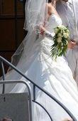 Robe de mariée écrue, petit strass et perle avec voile et jupon