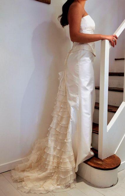 Robe de mariée Castille (bustier et jupe en soie brodée) à Paris