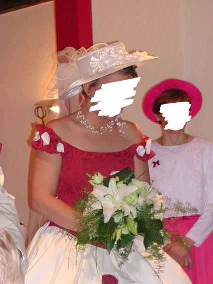 Chapeau blanc avec voile - Côte d'or