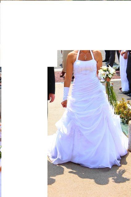 Robe de mariée d'occasion avec jupon en très bon état en 2013