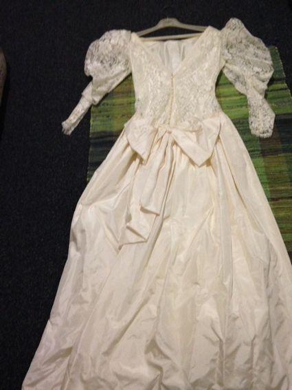 Robe de Mariée  ecru  dentelle et soie  - Bouches du Rhône