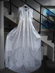 Robe de mariée d'occasion manche longue effet satiné avec dentelle