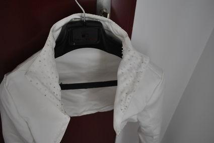 Robe de mariée bustier mi-longue et veste d'occasion