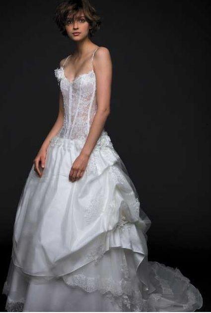 Magnifique robe de mariée de la marque Mariées de paris