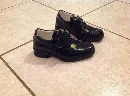 Chaussure noire vernis pointure 24 à l'occasion du Mariage