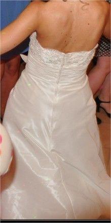 Robe de Mariée + Jupon marque Inn Love modèle Nacre collection 2012