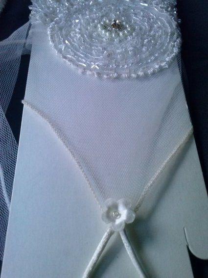 Gants ivoires perlés faits main en tulle et dentelle