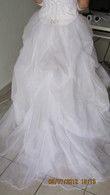 Robe de mariée bustier avec fleurs et jupe en organza
