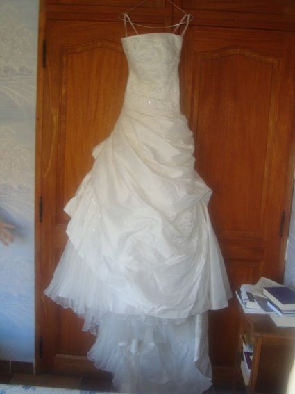 Robe de mariée Pronovias modele Olga pas cher d'occasion 2012 - Provence Alpes Côte d'azur - Var - Occasion du Mariage
