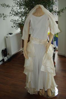 Robe de mariée artisanale et pas cher 2012 - Occasion du mariage