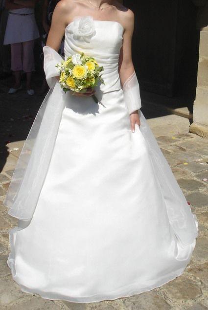 Robe de mariée Point Mariage d'occasion avec jupon