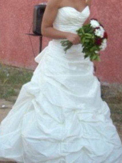 Robe de mariée cymbeline en taffetas blanc cassé d'occasion