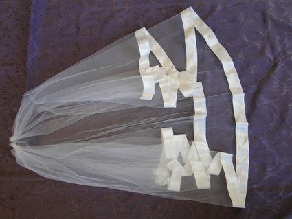 Robe de mariée de Créateur  PRONUPTIA, bustier dentelle type corset