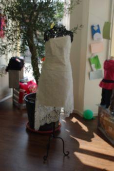 Robe de mariée bustier courte pas cher 2012 - Occasion du mariage