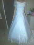 Robe de mariée collection Miss Kelly d'occasion avec longue traîne dentelle