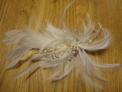 Peigne mariée plumes et strass pas cher - Occasion du Mariage