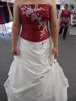 Robe de mariée bustier rouge et jupe ivoire d'occasion