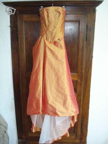 Robe de Mariée d'occasion, originale Orange Fushia en Soie 2012 - Occasion du mariage