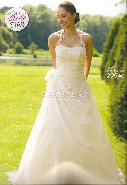 Robe de mariée bustier d'occasion avec voile et la fourrure