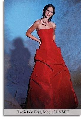 Robe de mariée rouge marque Harriet de Prag modèle Odyssée