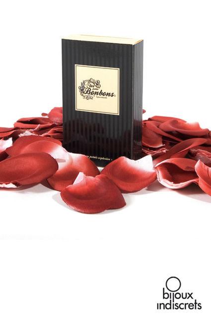 Pétales de roses parfumées pour ambiance romantique nuit de noces
