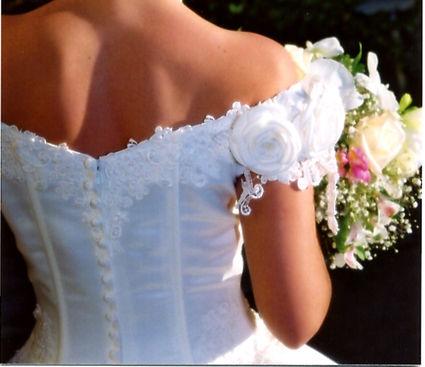 Robe de mariée pas cher T 38/40 avec jupons d'occasion - Occasion du Mariage