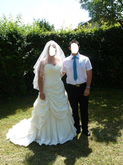 Robe de mariée d'occasion cosmobella avec jupon pas cher en 2012