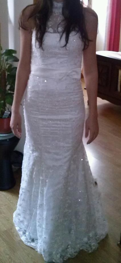 Robe de mariée neuve T36 avec col montant et dos zippé