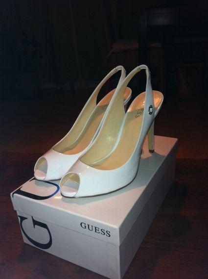Chaussure de mariée GUESS blanche