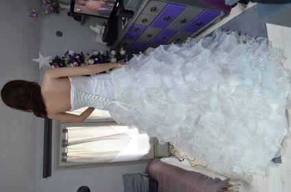 Robe de mariée neuve haute qualité avec jupe organza et tulle Paris