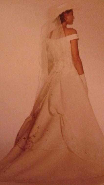 Robe de mariée ivoire effet bustier avec traine - Manche