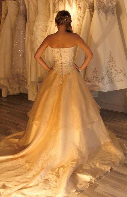 Robe de mariée couleur champagne neuve t36