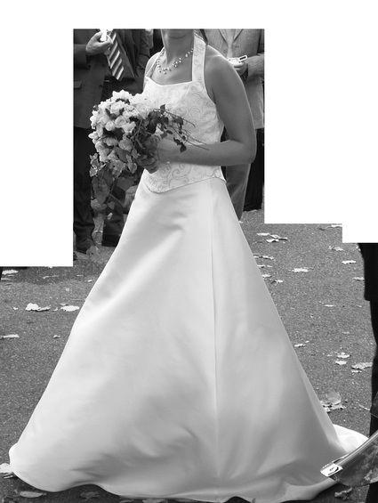 Robe de mariée Pronuptia ivoire T38 bustier dos nu et jupe trapèze d'occasion
