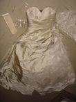 Robe de mariée avec boléro, mitaines, voile et jupon T42/44