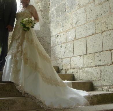 Robe de mariée d'occasion en très bon état