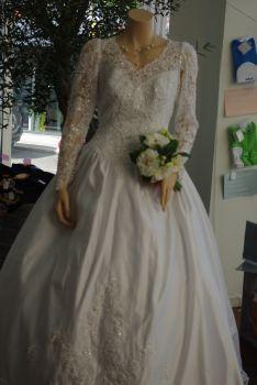 Robe de mariée pas cher manches longues 2012- Occasion du mariage