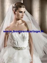 Robe de mariée Bengasi de Pronovias d'occasion avec jupon et voile