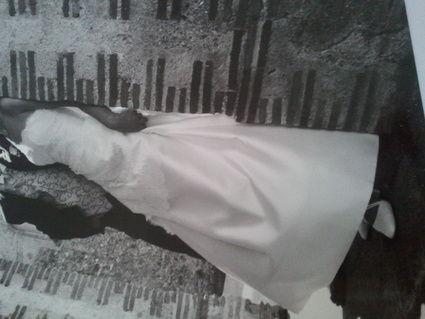 Robe de mariée Pronuptia élégante avec dentelle