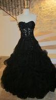 Robe noire de mariée avec strass + jupe + traîne - Occasion du Mariage