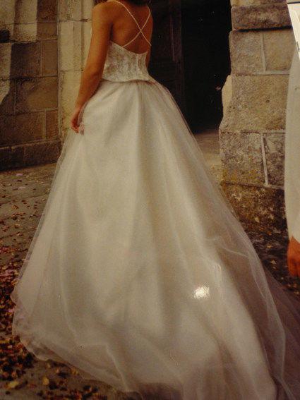 Robe de mariée  avec bustier 4 jupons d'occasion