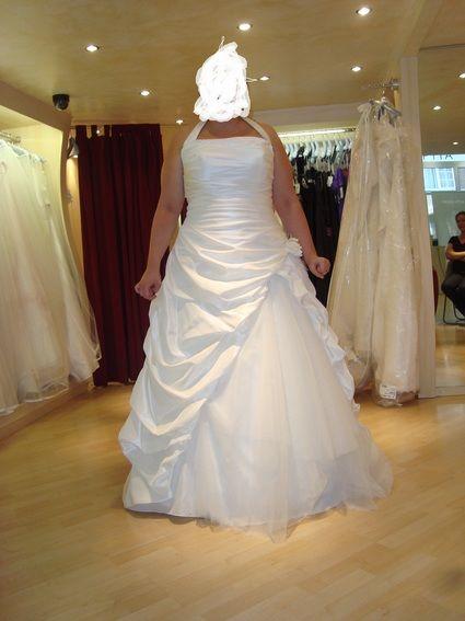 Robe de mariée Pronuptia d'occasion modèle Noce de coton avec boléro et jupon ivoire