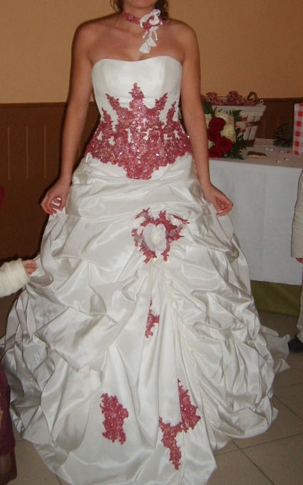 Robe de mariée ivoire et framboise avec jupon offert