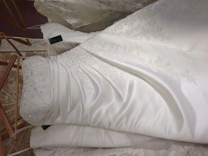 Robe de mariée blanche + accessoire  (voile, diadème)