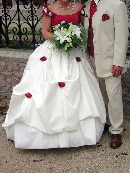 Robe de mariée avec corset bordeaux - Côte d'or