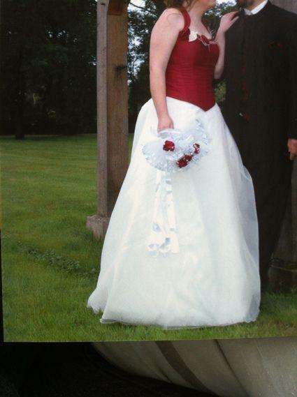 c47a1c97db6 robe de mariée bordeaux et blanche - Landes